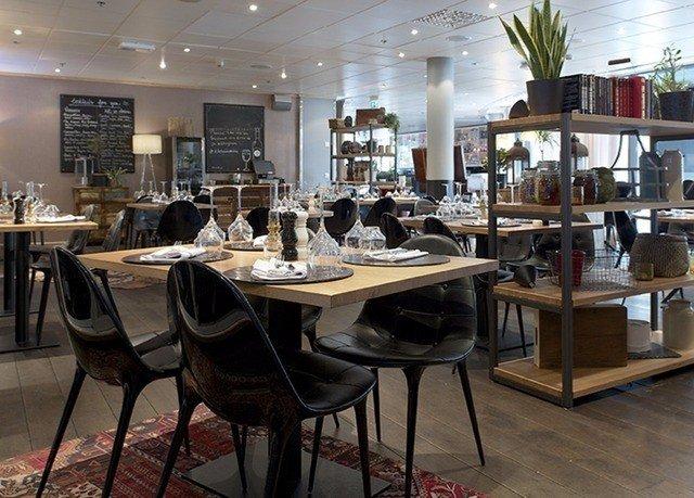 property restaurant cafeteria café Bar Dining Island