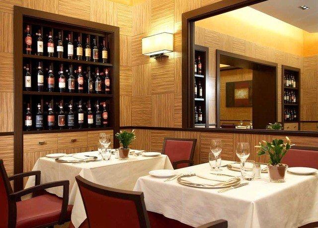 restaurant Dining function hall Bar set Island dining table