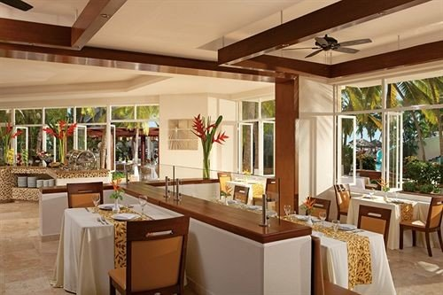 property Kitchen Resort restaurant home Dining counter Lobby Villa Island Modern Bar appliance