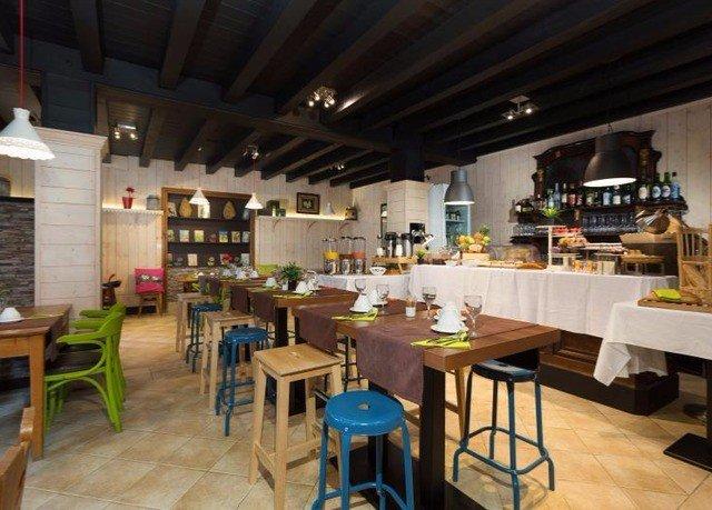 Kitchen property restaurant cafeteria café Dining Bar food court Resort Island