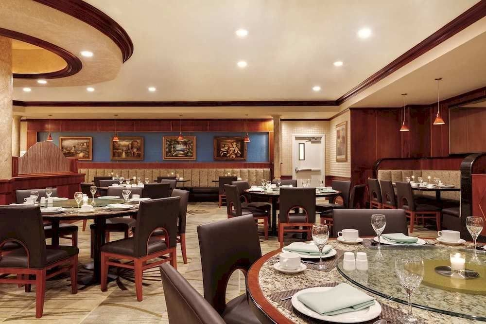 Kitchen property restaurant Lobby yacht Dining function hall recreation room living room passenger ship Island Bar