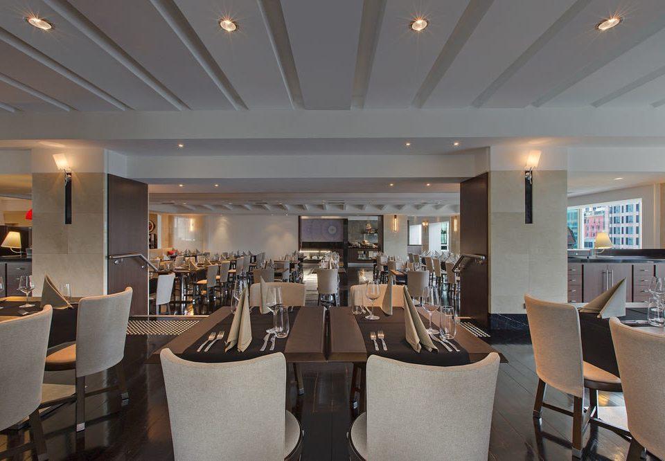 chair property restaurant Dining Lobby function hall café Bar Island