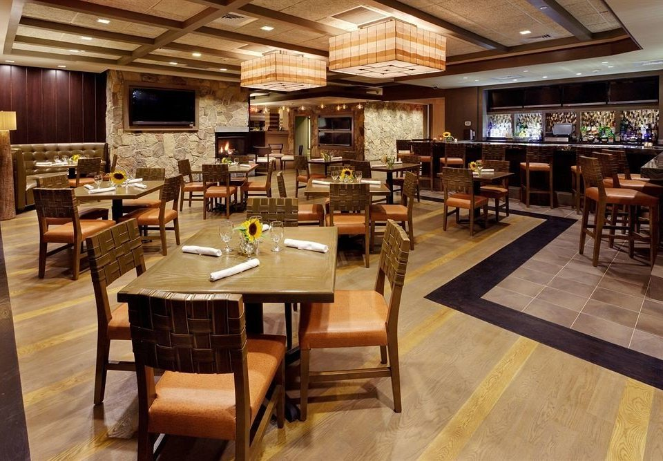 property Lobby restaurant café recreation room cafeteria Dining Bar Island