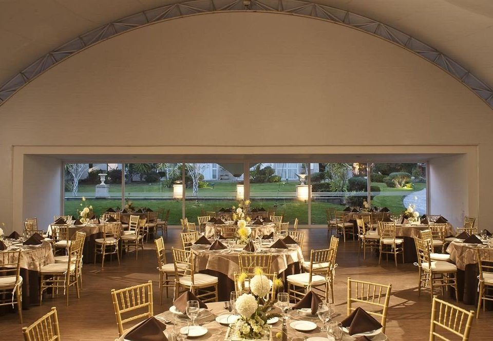 chair Dining function hall restaurant wedding wedding reception banquet ballroom Resort set Bar Island