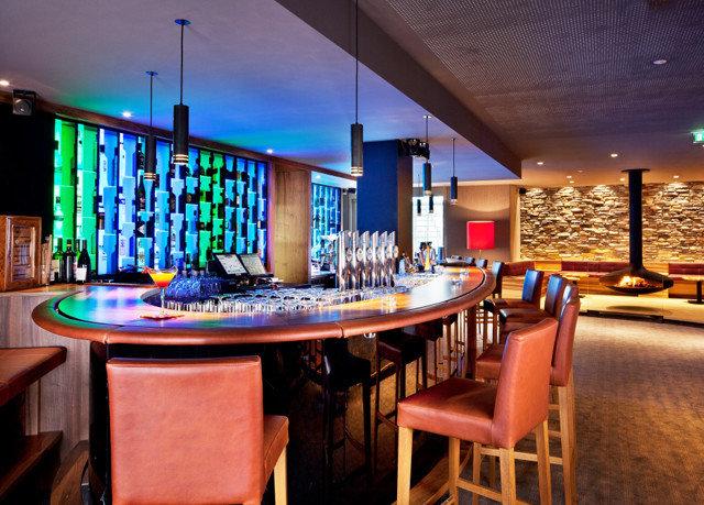chair recreation room billiard room Bar Resort restaurant Dining set Island dining table