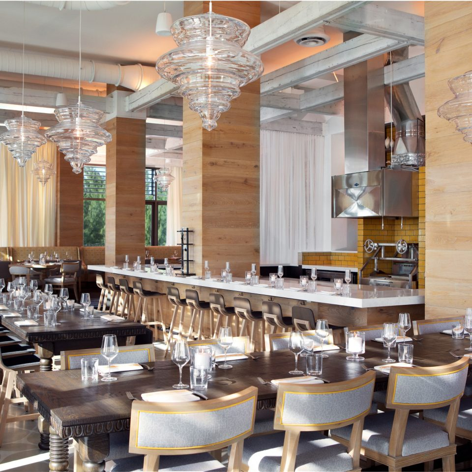 Trip Ideas restaurant Dining cafeteria function hall café ballroom set Bar Island dining table