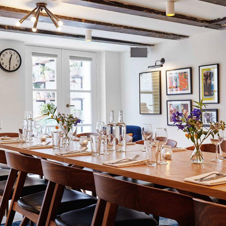 property restaurant home Dining cottage Villa Bar Island dining table