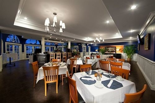 chair Kitchen property restaurant Bar Dining
