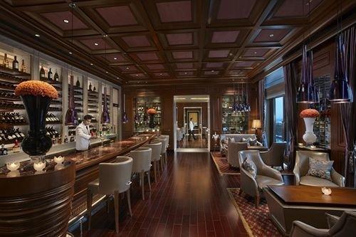 Lobby restaurant Dining function hall Bar