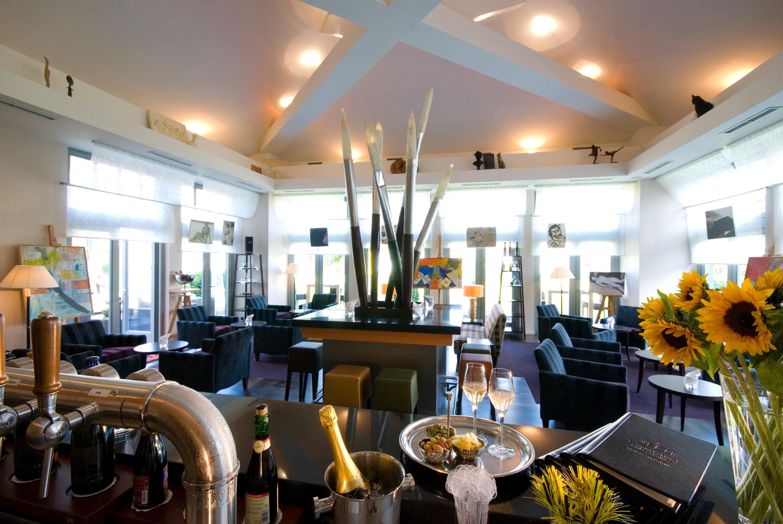 Lounge Luxury Modern property restaurant home Lobby Dining breakfast Bar