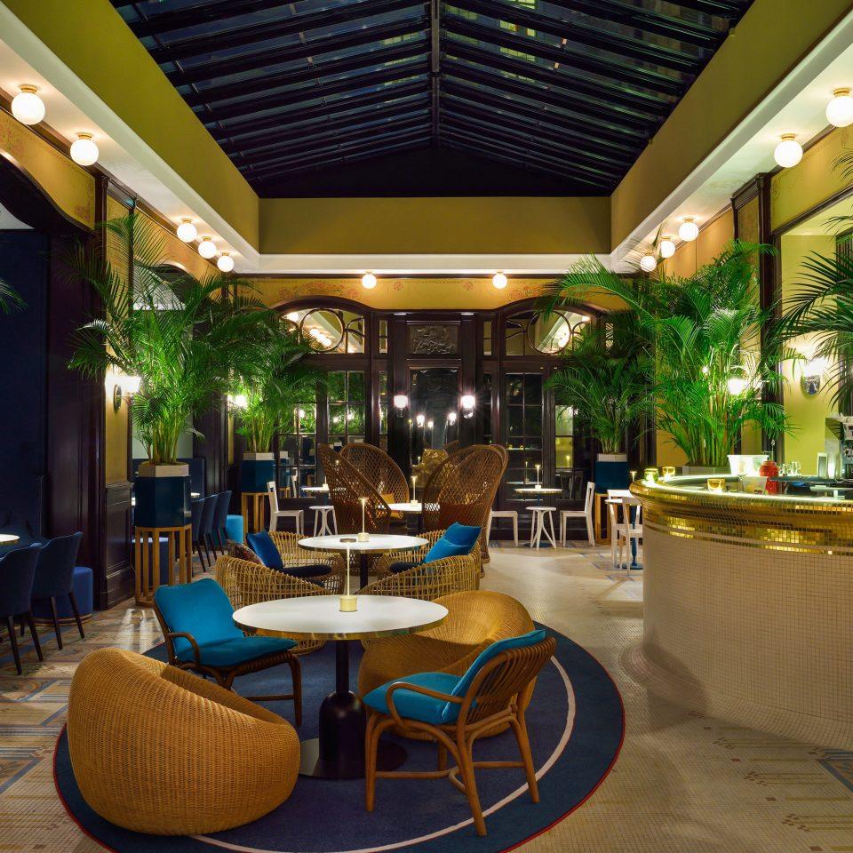 chair Lobby Resort restaurant Dining function hall convention center Bar