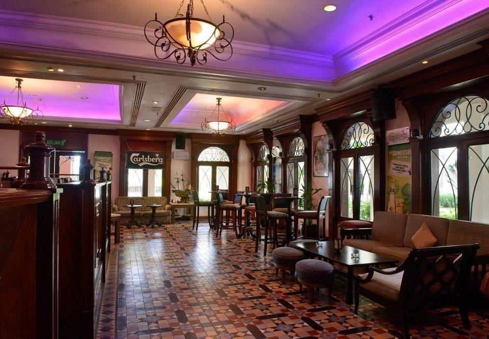property Lobby restaurant Bar function hall Dining Resort recreation room mansion ballroom
