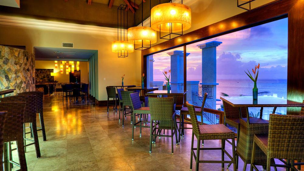 chair restaurant Dining Bar Resort function hall Lobby