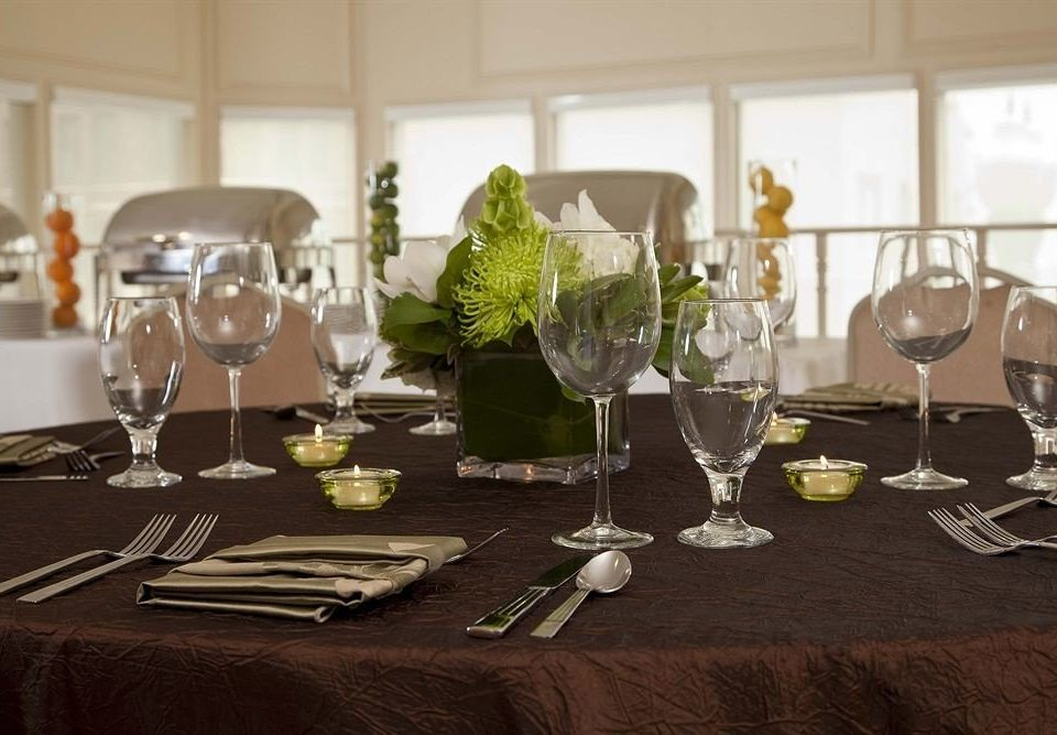 wine glasses Dining home centrepiece banquet living room Party restaurant function hall empty dinner set Bar