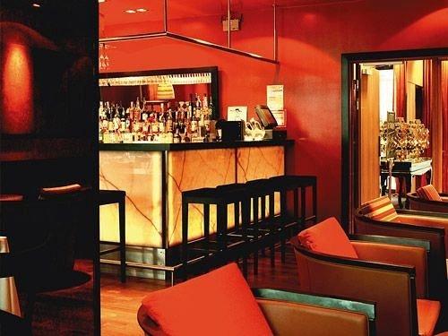 Bar restaurant Dining red set