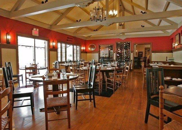 chair Dining property restaurant café cafeteria Bar Resort set