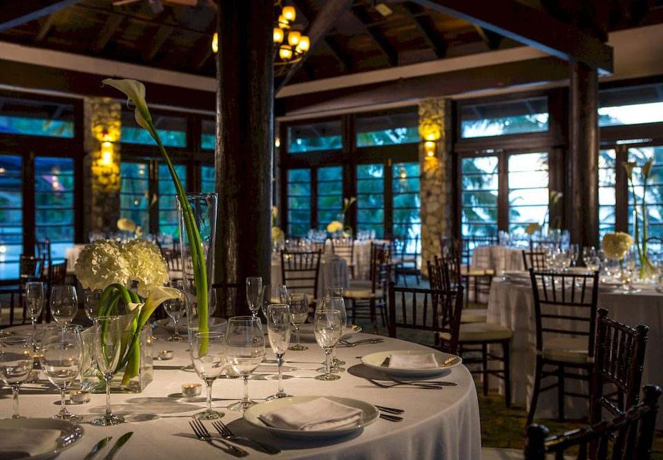 restaurant Resort Dining function hall Bar dining table