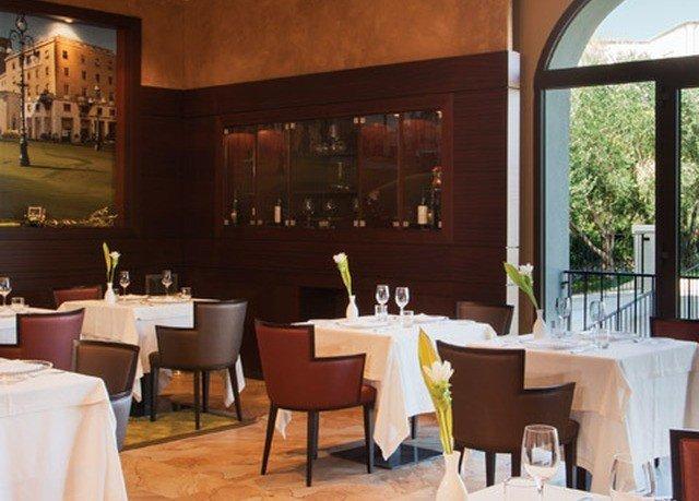 restaurant Dining Resort Bar
