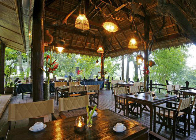 Resort property restaurant tavern Dining hacienda Bar eco hotel Villa cottage