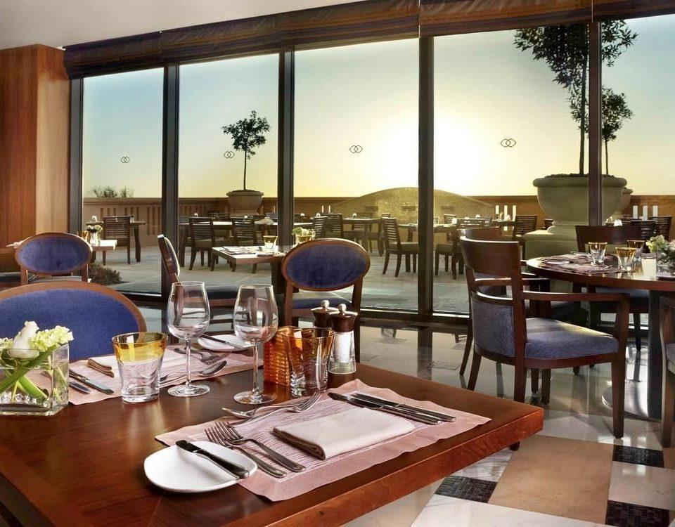 restaurant property Dining Resort condominium home Villa Bar set dining table