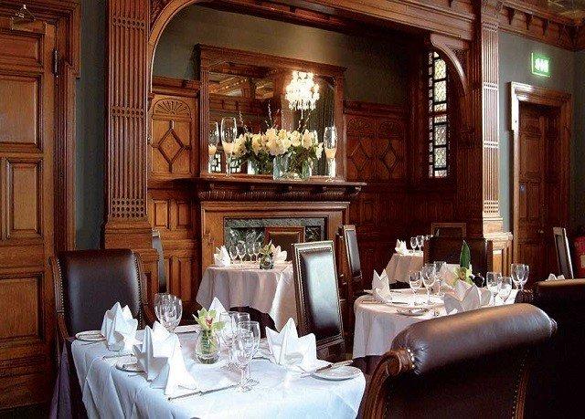 restaurant function hall Bar dining table