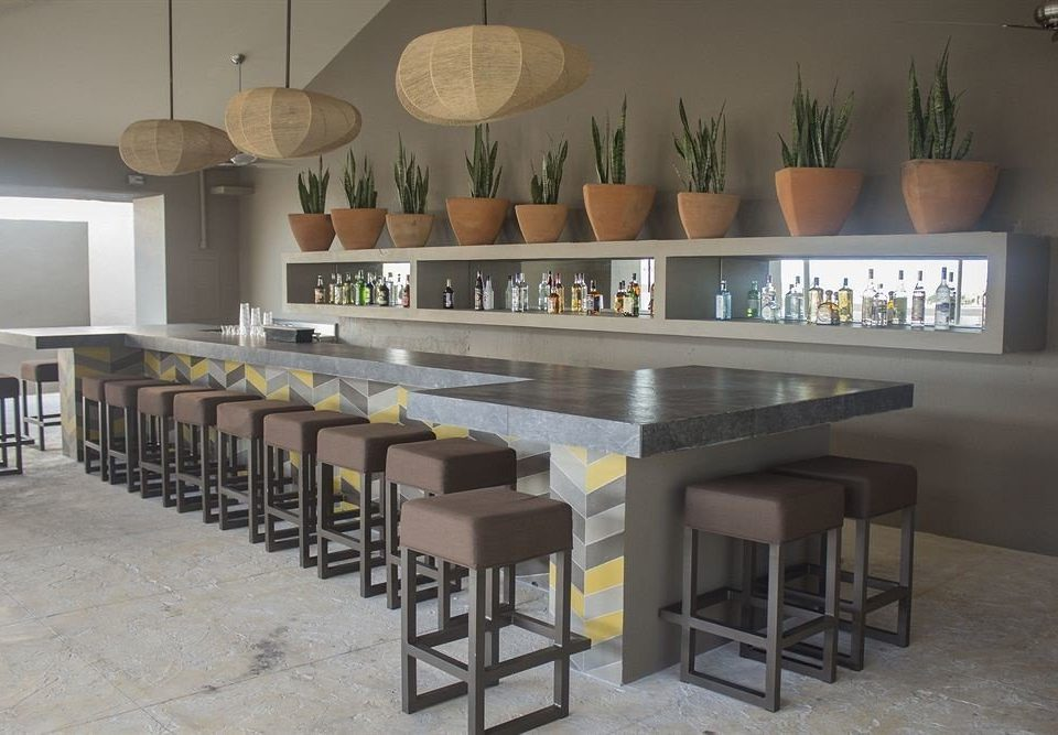 property Bar lined dining table