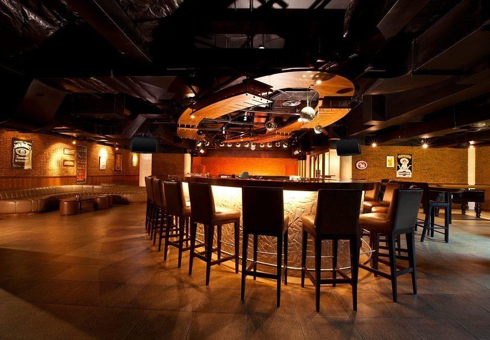 night Bar dining table