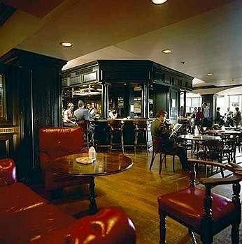 restaurant Bar recreation room dining table