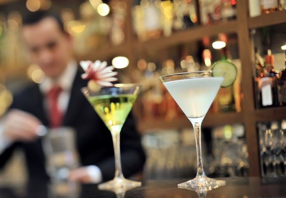 wine glasses alcoholic beverage Drink cocktail restaurant Bar sense alcohol