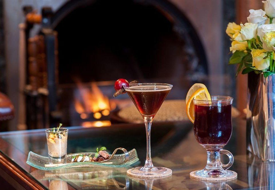 wine glass alcoholic beverage Drink restaurant Bar sense cocktail