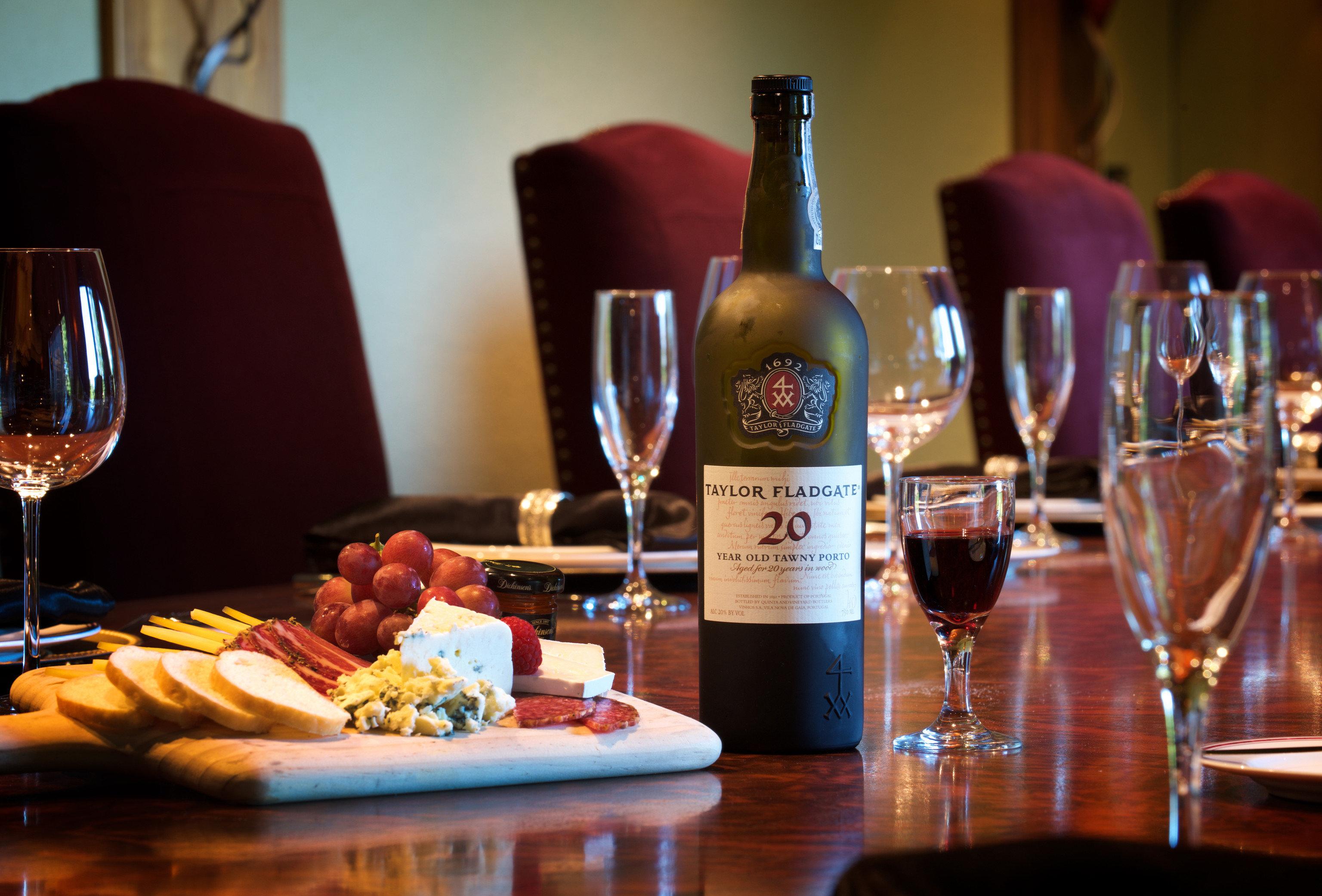 wine alcoholic beverage Drink restaurant dinner sense Bar