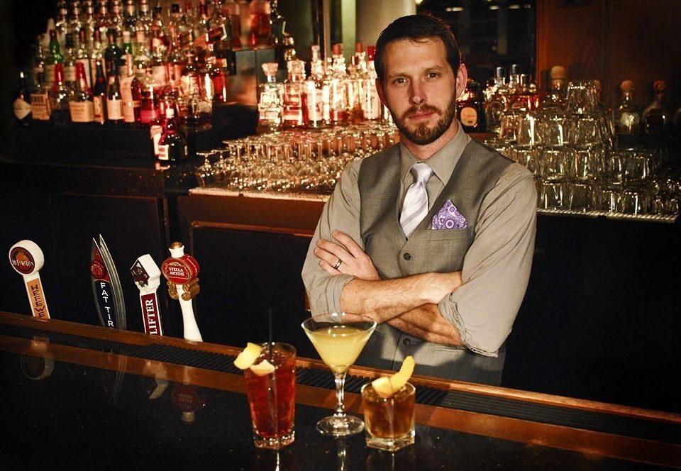 man Drink dinner Bar bartender sense beer