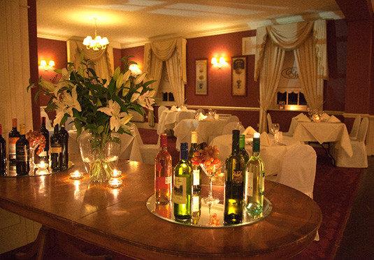 Drink function hall lighting restaurant drinking Bar beer dining table