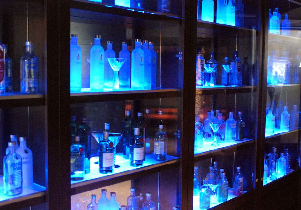 shelf blue night Bar Drink display device lighting stage display window glass nightclub store tourist attraction bunch drinking line