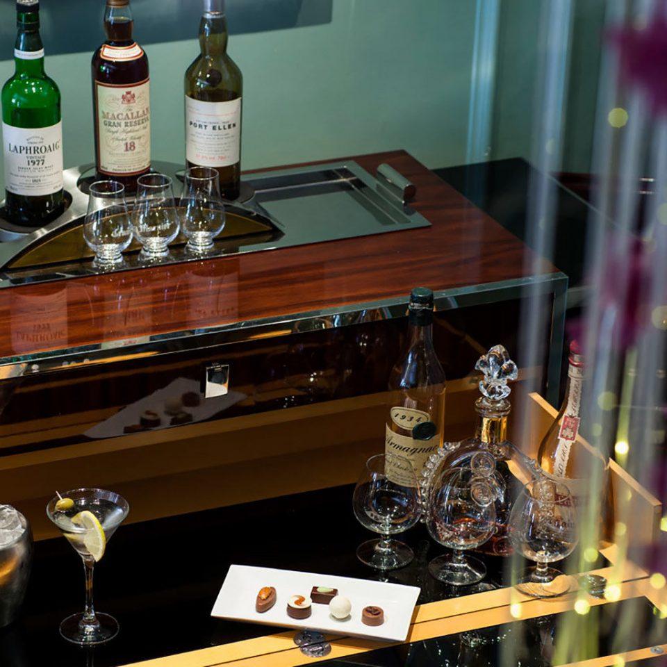 wine bottle restaurant Bar Drink counter set