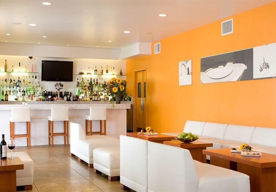 Bar Drink Eat Lounge property restaurant condominium flat Modern