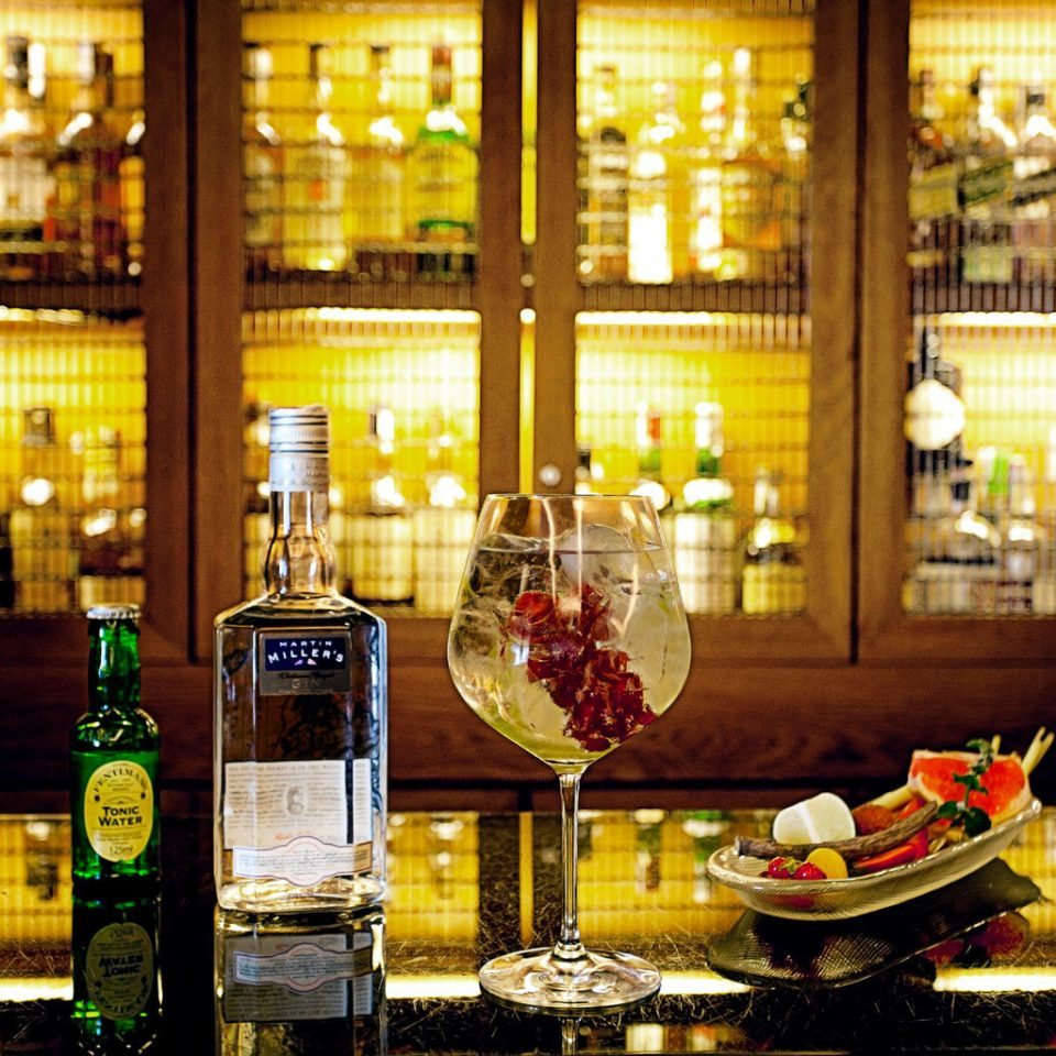 Bar Drink Eat Nightlife Resort wine glass restaurant beer drinking