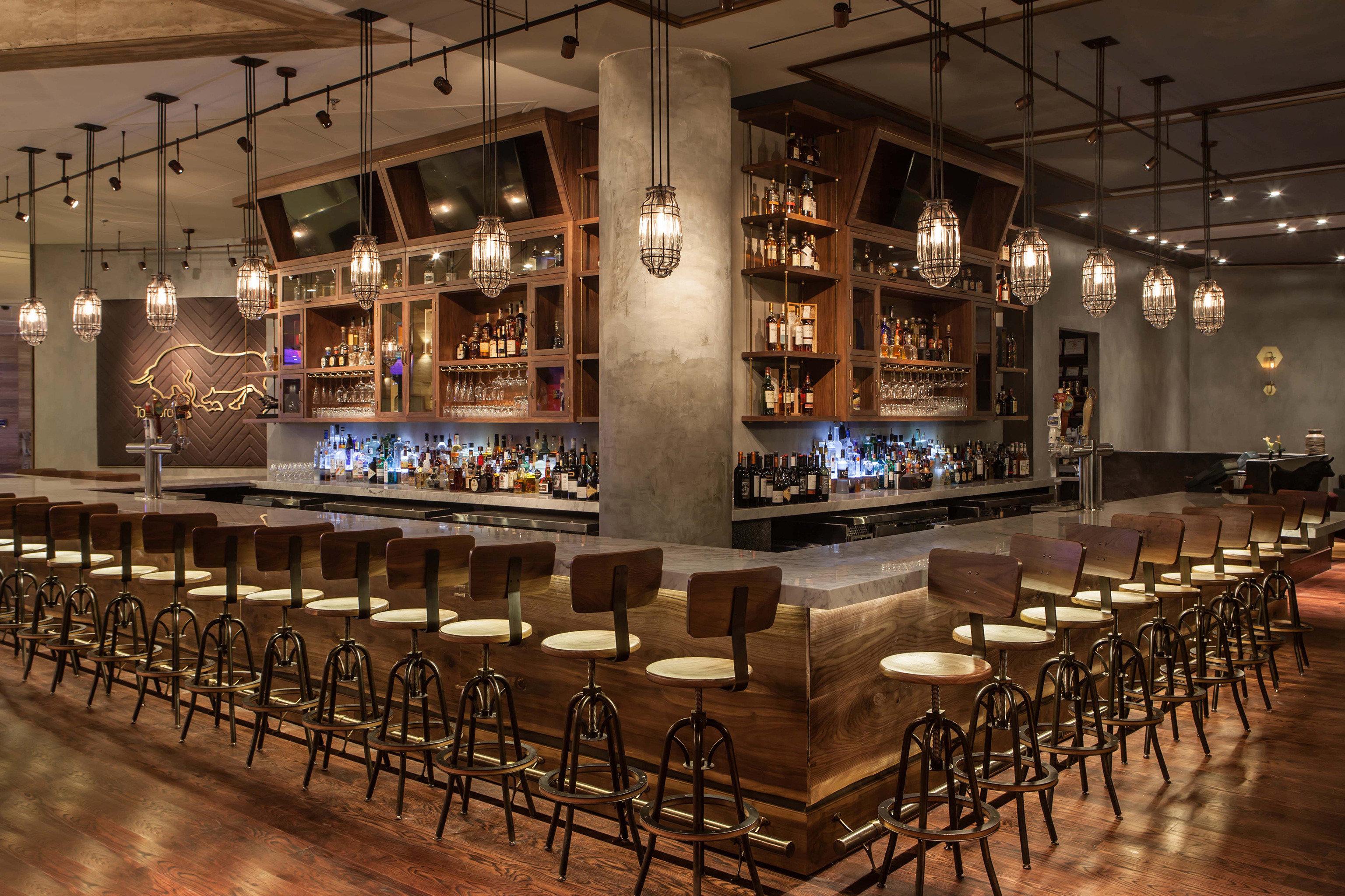 Bar Drink Eat Nightlife Resort function hall restaurant ballroom long lined line