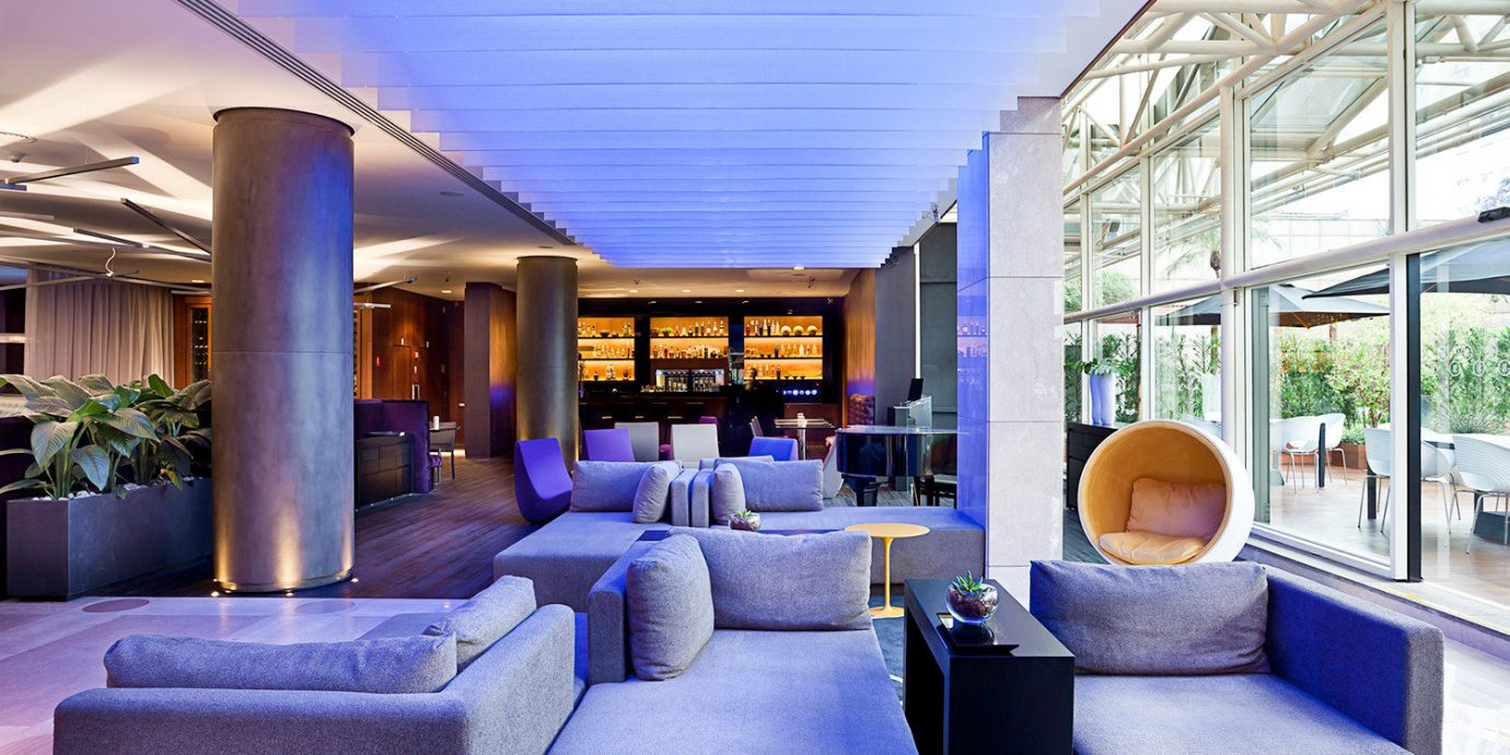 Bar Drink Lounge Modern Nightlife Resort property condominium living room home Lobby mansion convention center