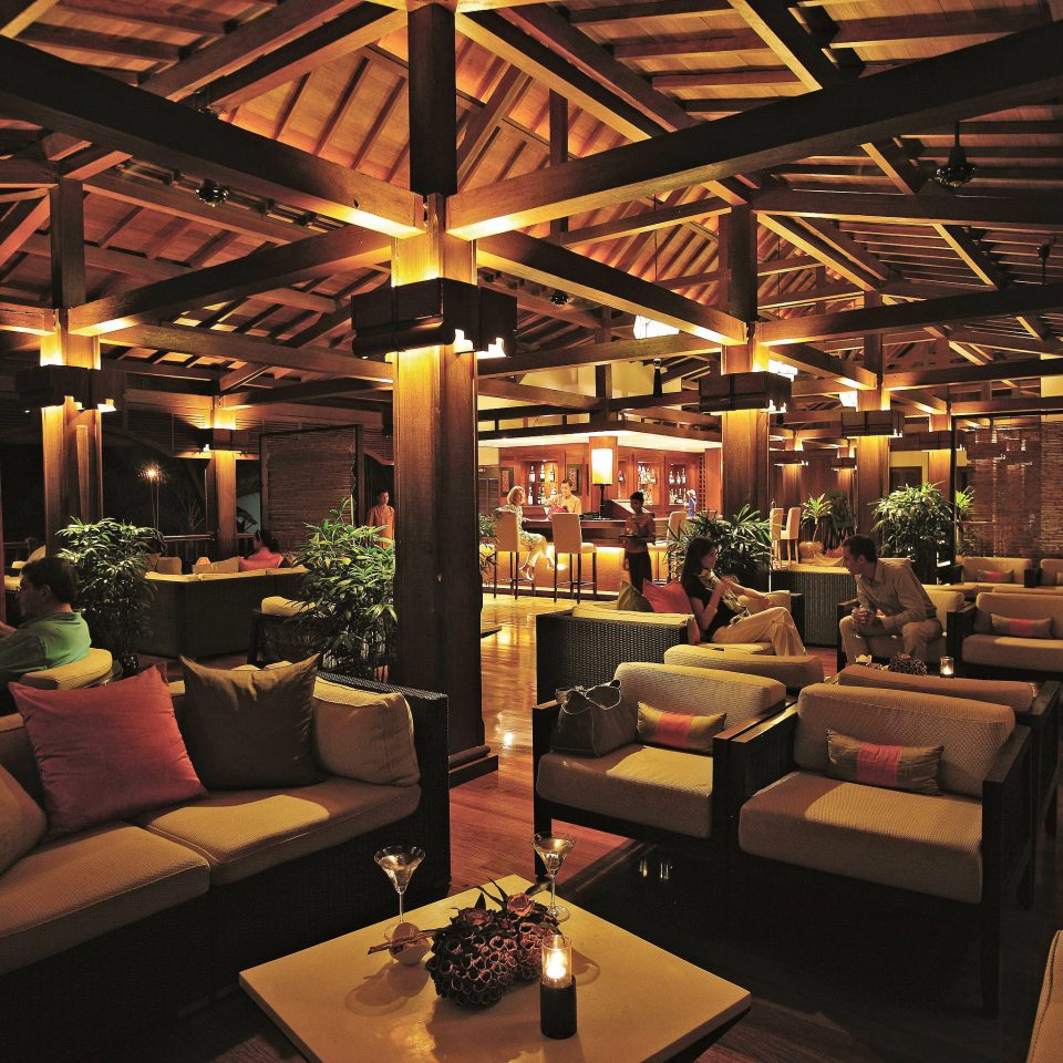 Bar Drink Lounge Nightlife Resort Rustic Lobby restaurant lighting