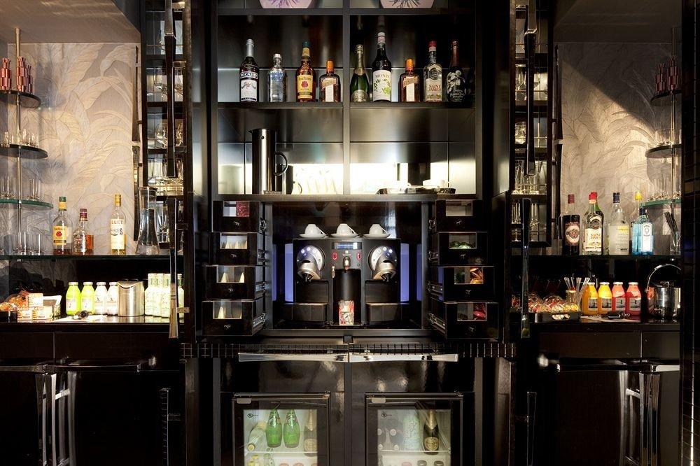 Bar restaurant Drink shelf