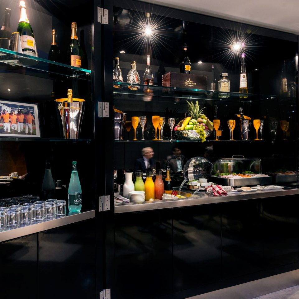 Bar restaurant Drink store shelf