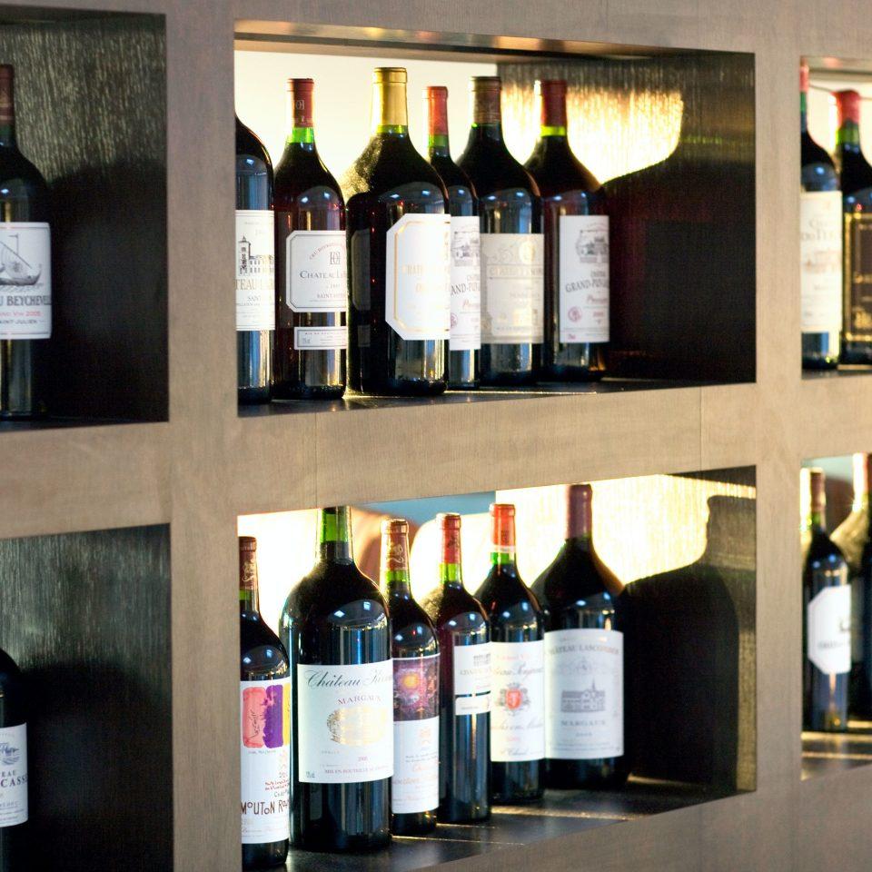 Bar bottle Drink Wine-Tasting wine beer alcoholic beverage wine bottle drinking lots brand beverage alcohol