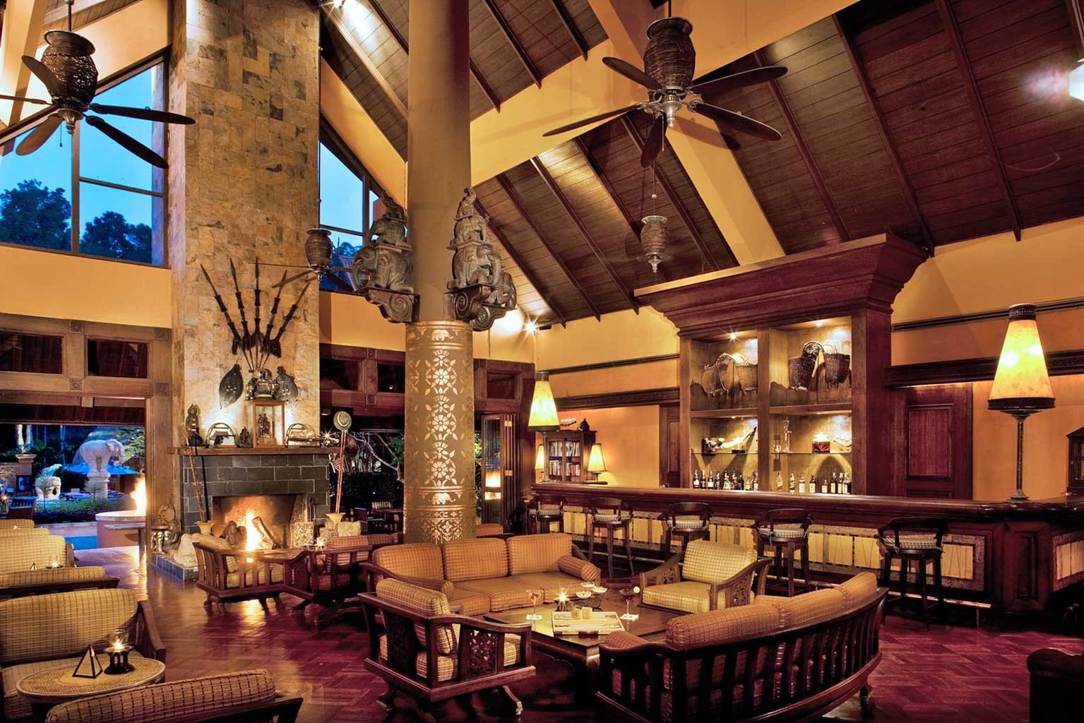 Elegant Lodge Lounge Scenic views Resort Lobby restaurant Bar mansion recreation room