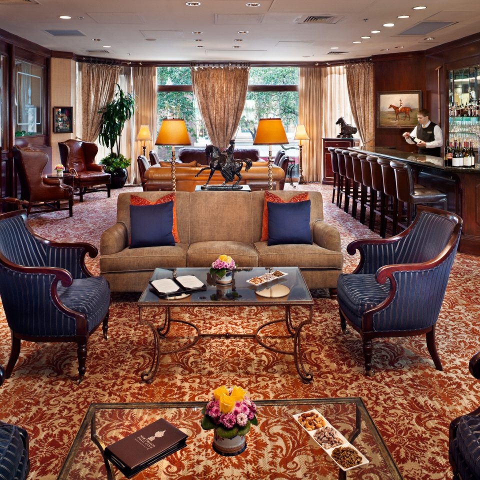 Bar Elegant Lounge property living room yacht vehicle home recreation room Lobby Suite