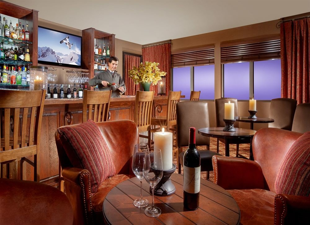 Bar Family Lodge Lounge sofa chair property living room red Suite home Lobby Resort restaurant condominium leather