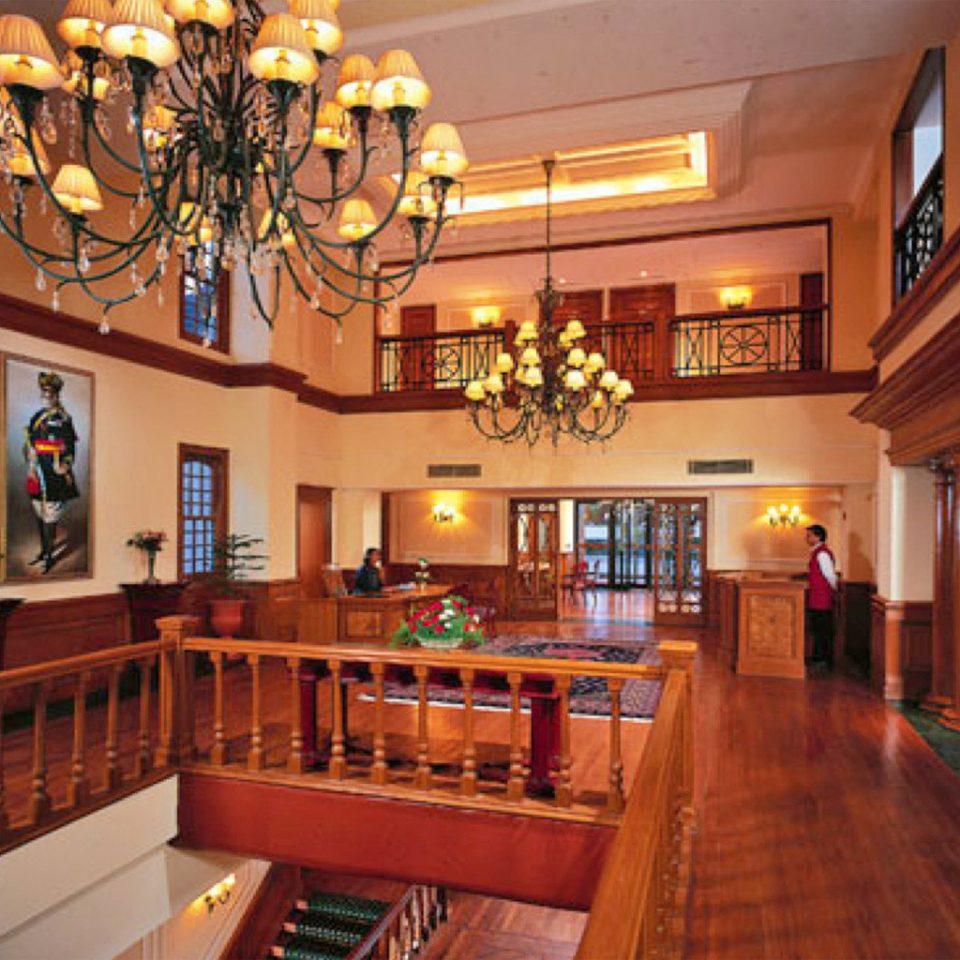 Family Lobby Lounge Luxury Rustic property recreation room building billiard room Resort home mansion Bar restaurant