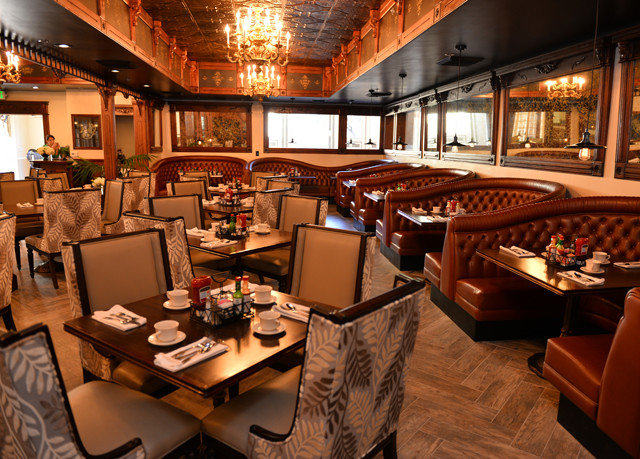 restaurant Bar recreation room yacht function hall
