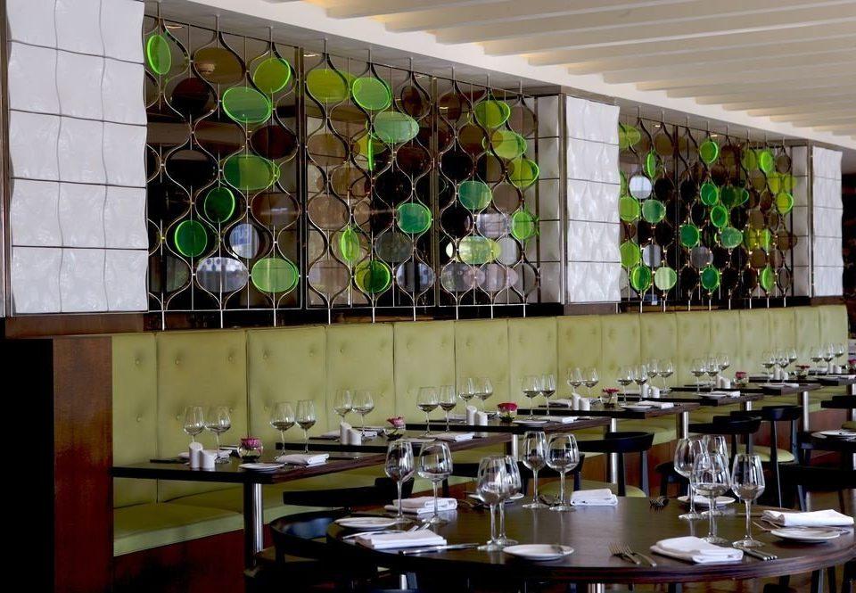 restaurant glass Bar
