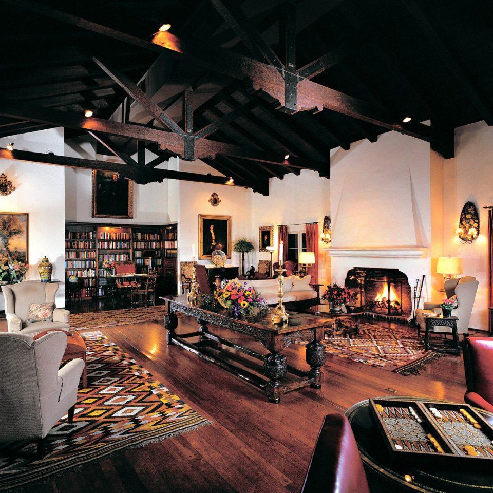 Hip Lounge Luxury Modern light living room home recreation room restaurant Bar